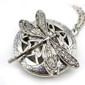 Jewelry - Vintage Dragonfly Locket Necklace NWT